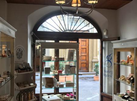 Il mondo incantato degli artigiani…..La Bottega Bedeschi a Firenze